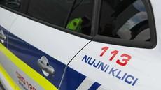 Novo mesto: Ukrajinec v kombiju prevažal 18 tujcev in trčil v policijsko vozilo
