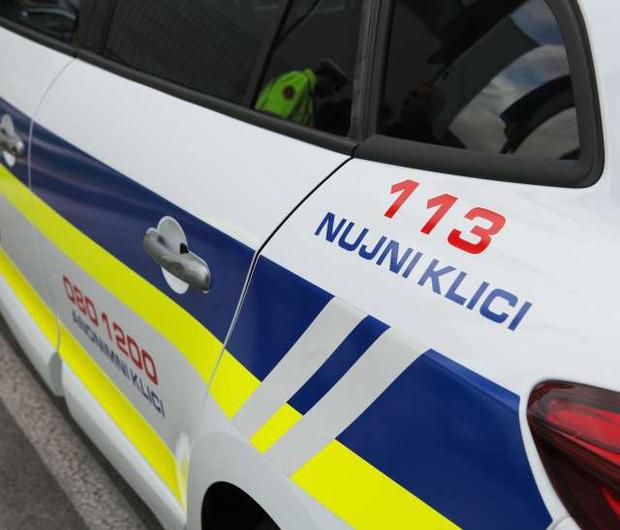 Silvestrska noč za policiste ni bila po Sloveniji nič kaj praznična (foto: STA)
