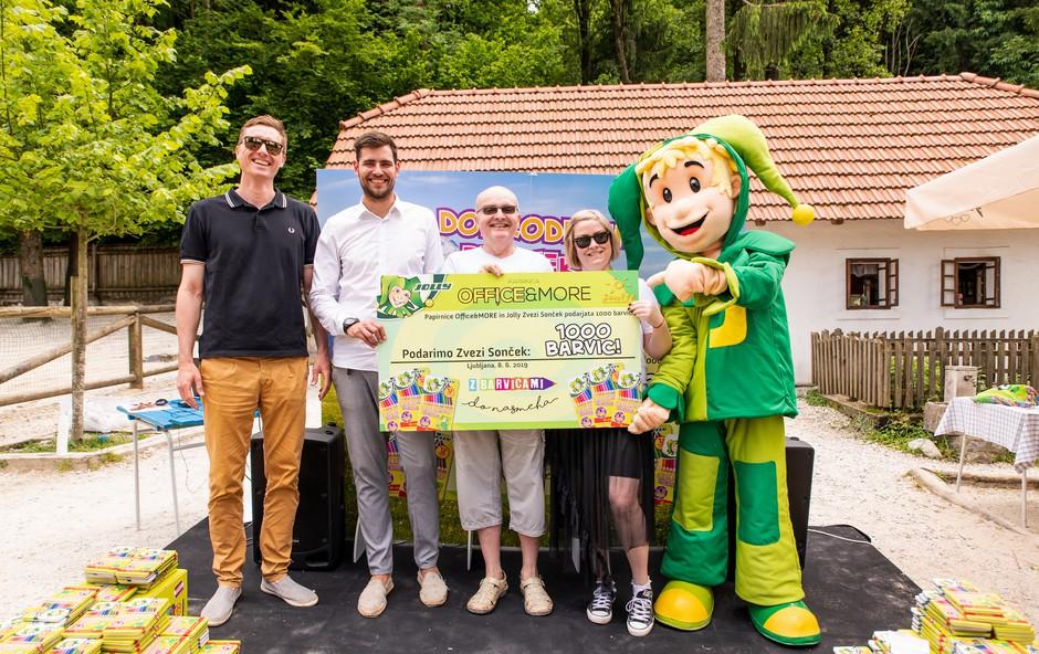 Office&More in Jolly podarila 1000 barvic Zvezi Sonček (foto: Jolly Press)