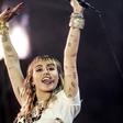 Miley Cyrus je k svojemu albumu priložila še kondome!