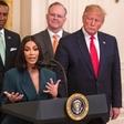 Trump pohvalil Kim Kardashian, ki je (spet) obiskala Belo hišo