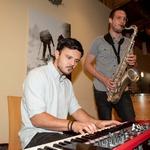 Saksofonist Blaž Švagan je ob sprejemu pričaral prav posebno vzdušje. (foto: Mediaspeed)