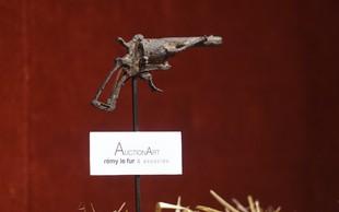 Pištolo, s katero naj bi se ustrelil Van Gogh, prodali za 162.000 evrov