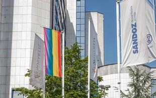 Mesec ponosa v Novartisu v Sloveniji obeležili z mavrično zastavo