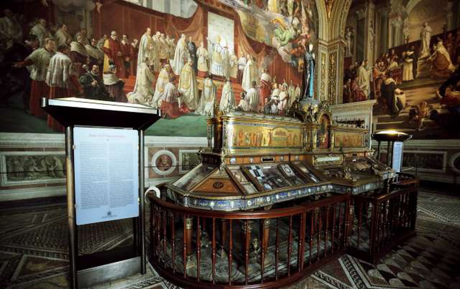 V Vatikanskih muzejih razstava Plečnik in sveto (foto: STA)