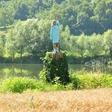 V Posavju bodo odkrili leseno skulpturo, ki uteleša ameriško prvo damo Melanio Trump
