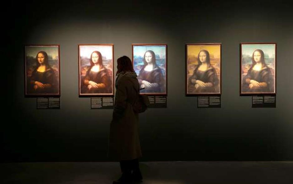 Znamenito Mona Lizo bodo zaradi prenove prestavili, a za manj kot 100 korakov (foto: Xinhua/STA)
