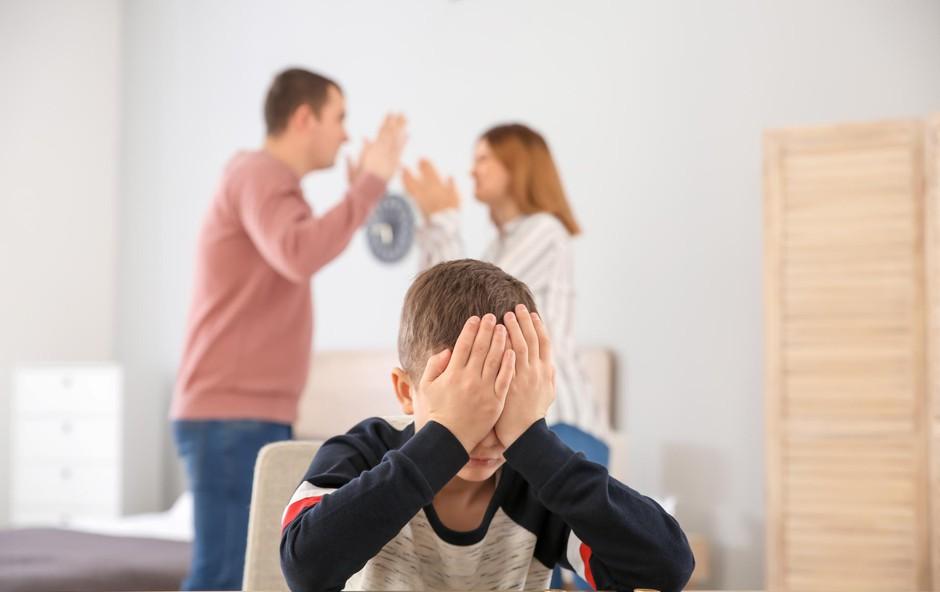 """""""Manjša plača, manjša preživnina. Hčerki sta jezni. Kaj naj?"""" Magdalena odgovarja! (foto: Shutterstock)"""