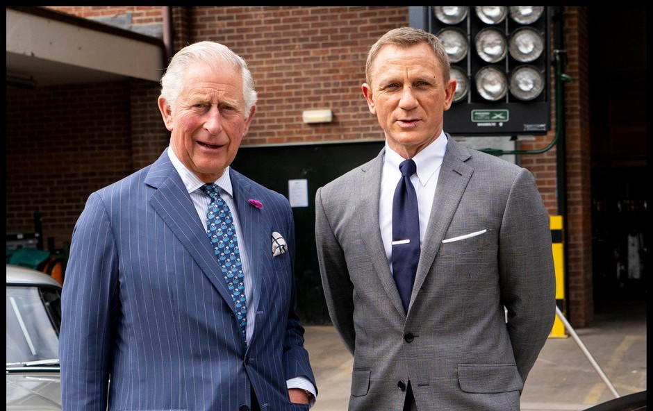 Princ Charles obiskal najznamenitejšega britanskega tajnega agenta! (foto: Profimedia)