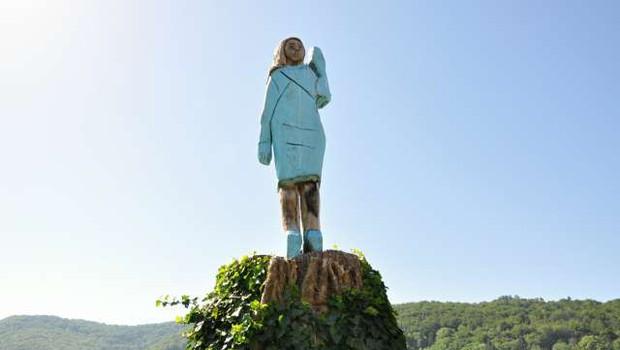 V svetovnih medijih so se razpisali o kipu Melanie Trump v Sevnici (foto: STA/Rasto Božič)