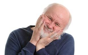 Carl Honore z dejstvi in zgledi proti starizmom: »Bolj star, bolj živ!«