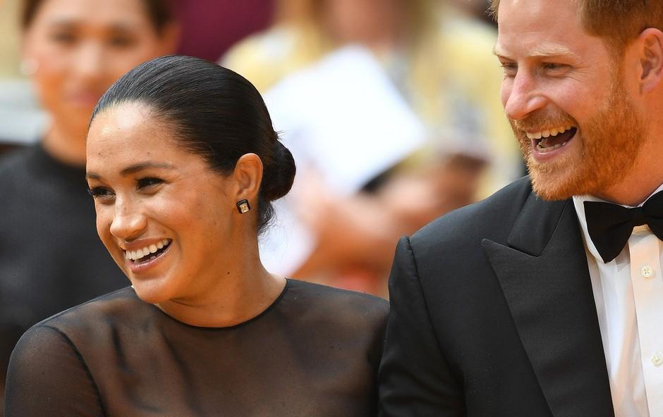 Meghan Markle v črni obleki blestela na premieri Levjega kralja! (foto: Profimedia)