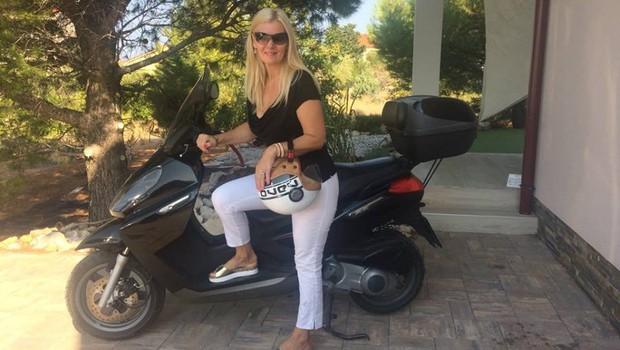Tanja Zajc Zupan si je na dopustu privoščila nekaj, kar ni v njeni navadi (foto: Osebni album)