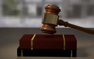 Sodišče je Sebastienu Abramovu in njegovemu dekletu pripor podaljšalo za 2 meseca