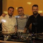 Z lastnikoma KluBara, Klemnom Malovrhom in Gregorjem Dolžanom. (foto: Foto: Aleksandra Saša Prelesnik)
