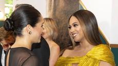 Meghan Markleizjemno jezna na pevko Beyonce, ker jo je zasenčila z obleko