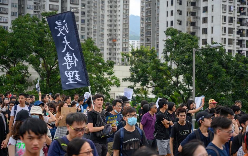 V Hongkongu ulice spet polne protivladnih  protestnikov (foto: profimedia)