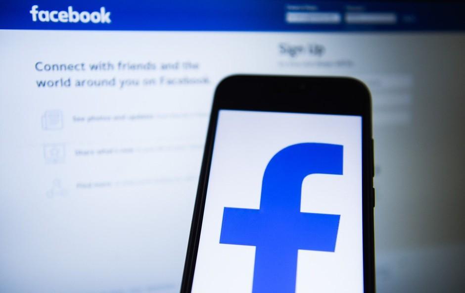 Facebooku zaradi kršenja zasebnosti pet milijard dolarjev kazni (foto: Profimedia)