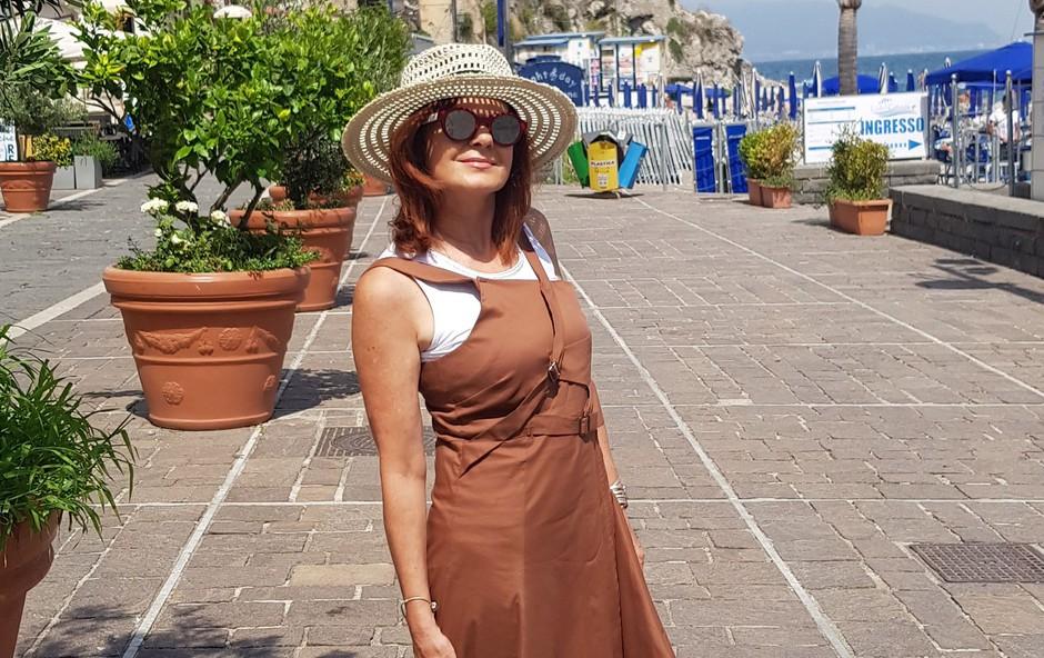 Simona Vodopivec Franko uživa ob Tirenskem morju na jugu Italije (foto: Osebni album)