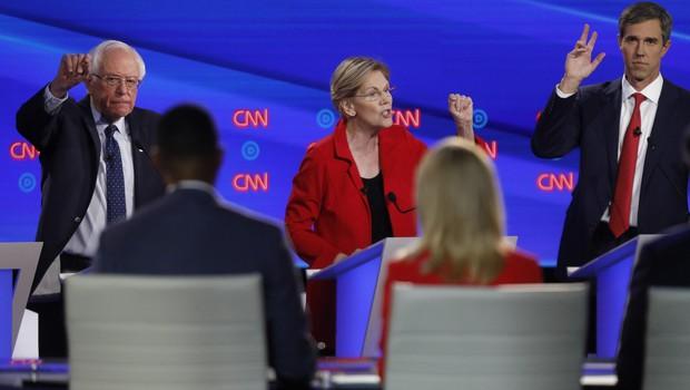 Bernard Sanders in Elizabeth Warren odločno in skupaj za zasuk Amerike v levo (foto: profimedia)