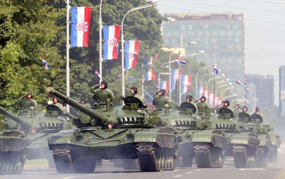 Hrvaška slavi dan zmage in obletnico operacije Nevihta (foto: STA)