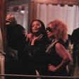 Opala! Rihanna se je sprostila ob kakšnem kozarčku preveč!