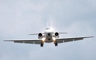 Moskva: Letalo trčilo v jato ptic in zasilno pristalo - 23 ljudi je ranjenih