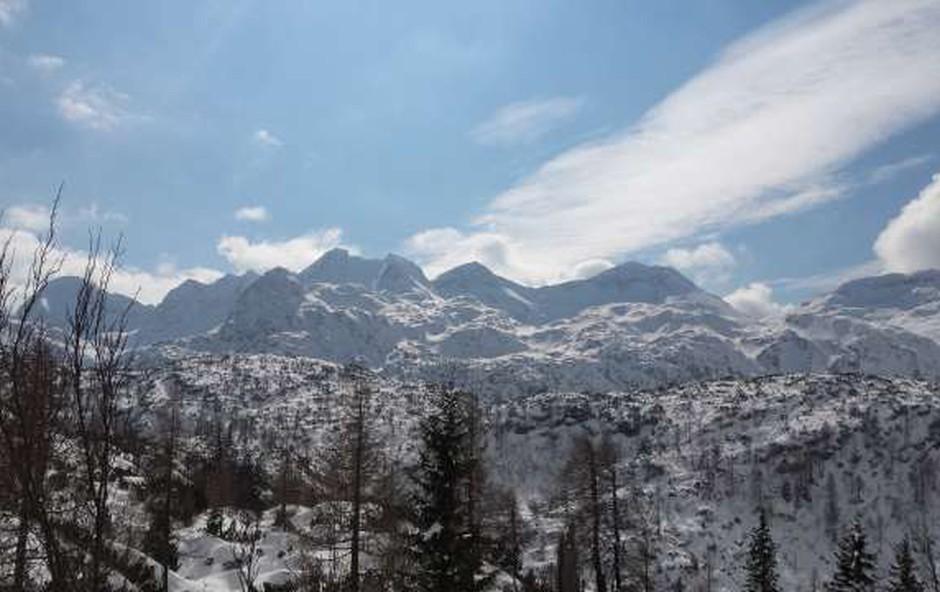 Na poti na Komno je zaradi zdravstvenih težav umrl hrvaški planinec (foto: Robert Hrovat/STA)