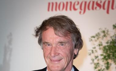 Sir Jim Ratcliffe, britanski milijarder in kemijski inženir, lastnik podjetja Ineos. Njegovo premoženje ocenjujejo na 21 milijard evrov.