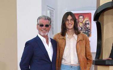 Igralec Pierce Brosnan s sinom Parisom.