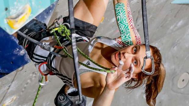 Janja Garnbret na Japonskem s trojnim zlatom potrdila olimpijsko normo! (foto: STA)