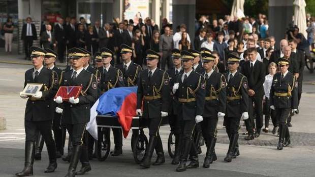 Na Omanovem pogrebu izpostavili njegovo vlogo narodnega buditelja (foto: Tamino Petelinšek/STA)
