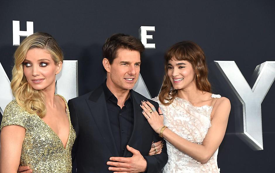 Tom v lepi družbi, z igralkama Annabelle Wallis in Sofio Boutella. (foto: Foto: Profimedia Profimedia, Avalon Editorial)