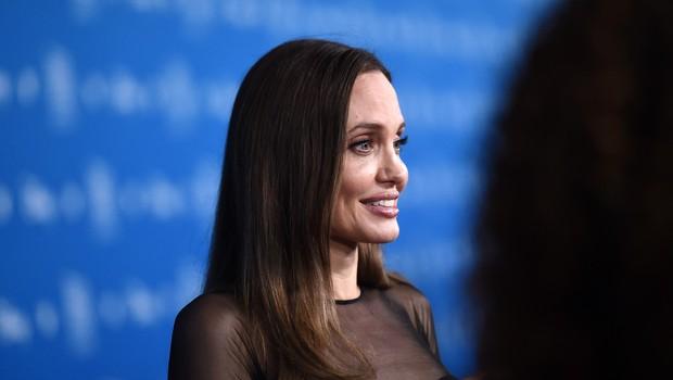Je Angelina Jolie pred novimi izzivi? Mika jo tudi politika! (foto: Profimedia)