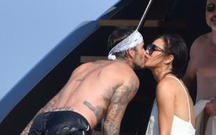 Victoria in David Beckham zasačena med intimnimi trenutki na jahti