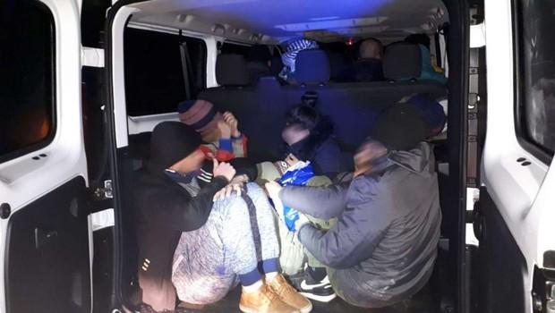 Celjski kriminalisti zaradi nezakonitih prevozov migrantov ovadili 10 oseb (foto: PU Celje)