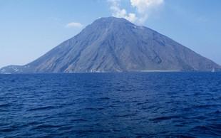 Vulkan Stromboli je znova močno izbruhnil