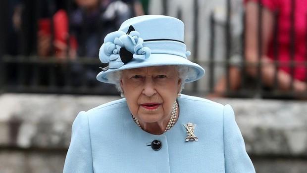 Britanska kraljica nikoli ne obuje novih čevljev, dokler niso razhojeni! (foto: Profimedia)