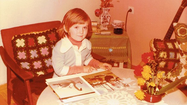 Bi po fotografiji iz šolskih dni prepoznali to znano Slovenko, ki je bila celo najboljša učenka?! (foto: Osebni album)