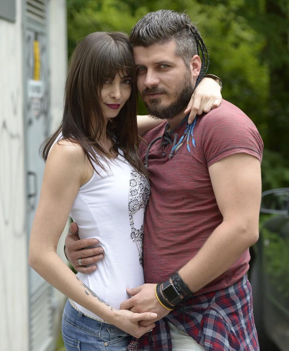 Žana Povše po zaroki z Borisom presenetila še z razgaljeno fotografijo (foto: Primož Predalič)