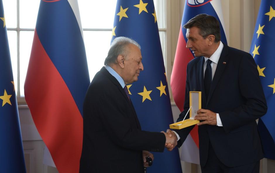 Predsednik republike Borut Pahor je podelil zlati red za zasluge maestru Zubinu Mehti (foto: Živa Toy)