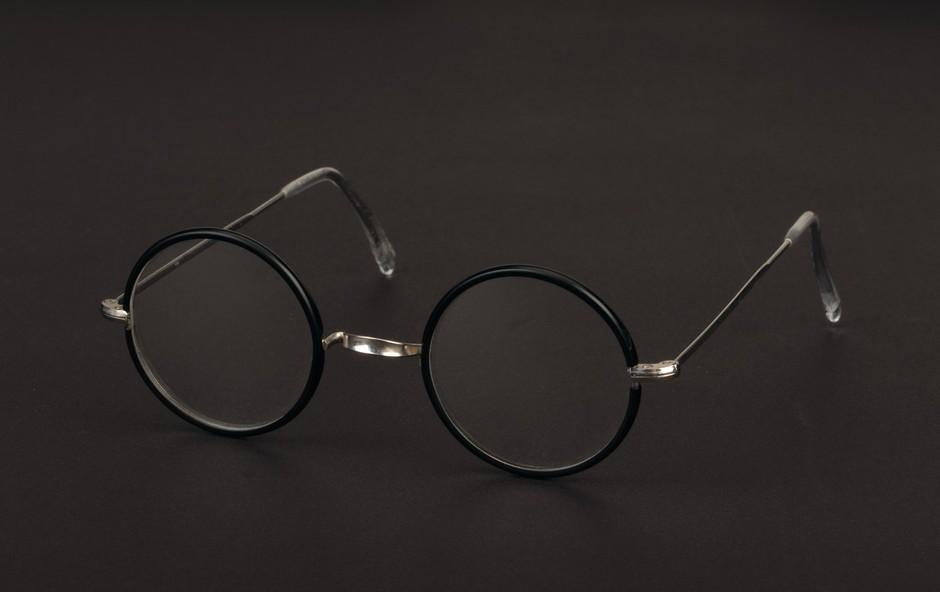 Na dražbo čelada Dartha Vaderja in očala Harryja Potterja (foto: profimedia)
