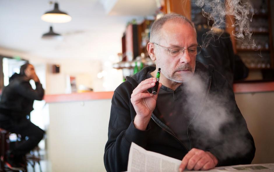 V New Yorku bosta dovoljena le še dva okusa elektronskih cigaret (foto: Profimedia)