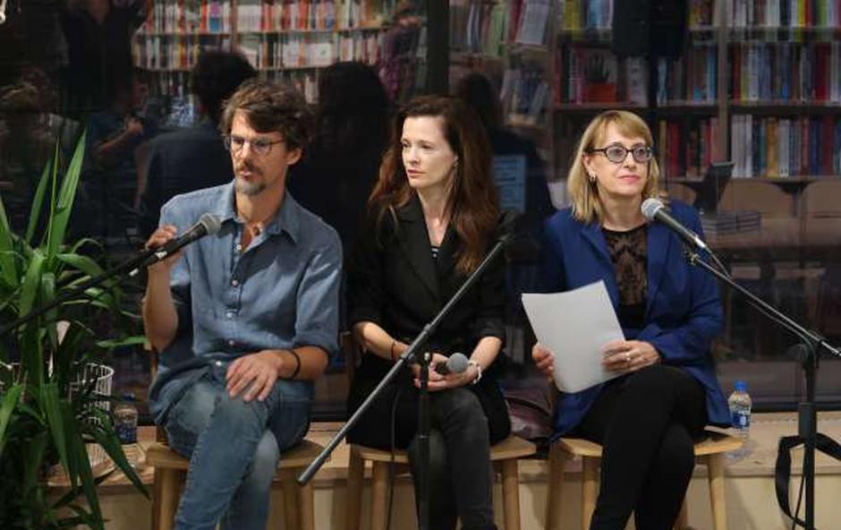 Boštjan Videmšek v New Yorku s knjigo, ki 'bo bralcu uničila dan' (foto: Robi Poredoš/STA)
