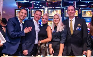 Prešerne volje so bili direktor skupine Admiral Slovenija, Klemen Čaleta, regionalni casino manager, Domen Bucek in vodja igralnega salona Admiral Lev, Marko Bajda skupaj z voditeljico večera Pio Pustovrh.