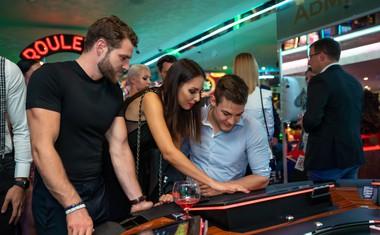 Aktualni mister, Simon Blažević, Ingrid Ulaga in Mister Cosmo 2018, Peter Škulj, so svojo srečo preizkusili na ruleti.