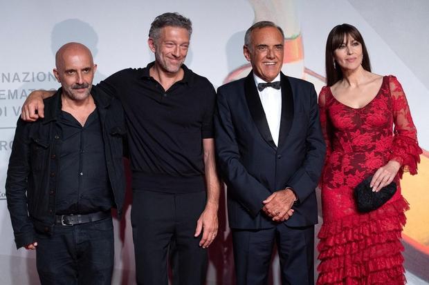 Gaspar Noe, Vincent Casssel, Alberto Barbera in Monica Bellucci v rdeci obleki Dolce&Gabbana. (foto: Profimedia)
