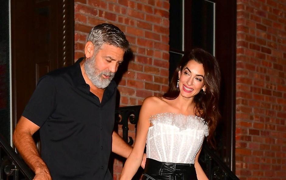 George in Amal Clooney imata razlog za slavje: Še vedno sta zelo srečna! (foto: Profimedia)