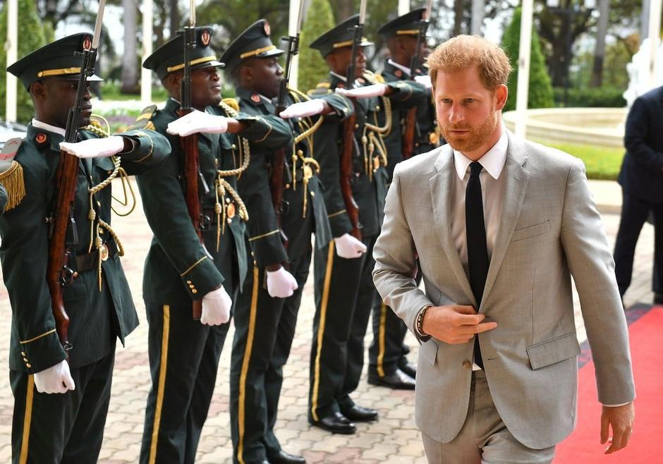 Princ Harry turnejo po Afriki nadaljuje v Malaviju (foto: Profimedia)