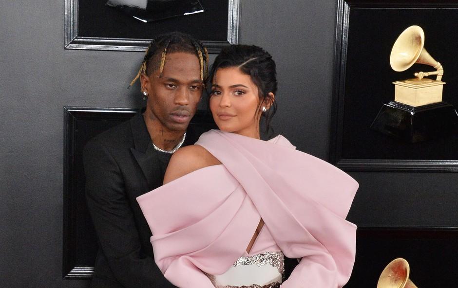 Kylie Jenner je očitno odpustila nezvestobo (foto: Profimedia)
